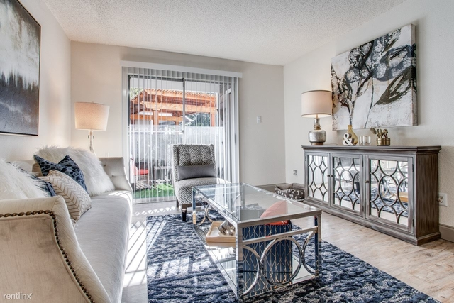 2 Bedrooms, Red Bird Center Rental in Dallas for $1,175 - Photo 2