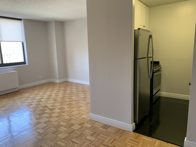 Studio, Yorkville Rental in NYC for $2,010 - Photo 2