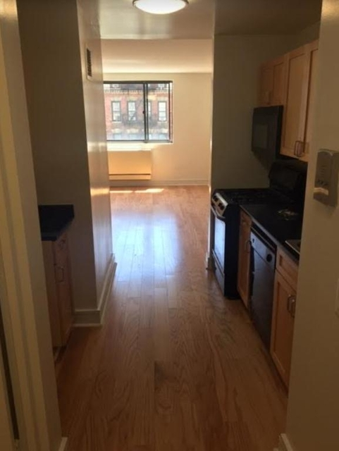 Studio, Upper West Side Rental in NYC for $1,833 - Photo 1