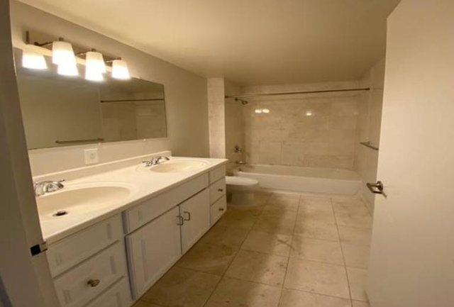 3 Bedrooms, Upper West Side Rental in NYC for $4,066 - Photo 2