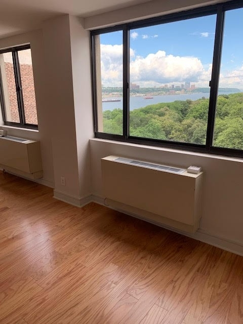 2 Bedrooms, Upper West Side Rental in NYC for $4,400 - Photo 2