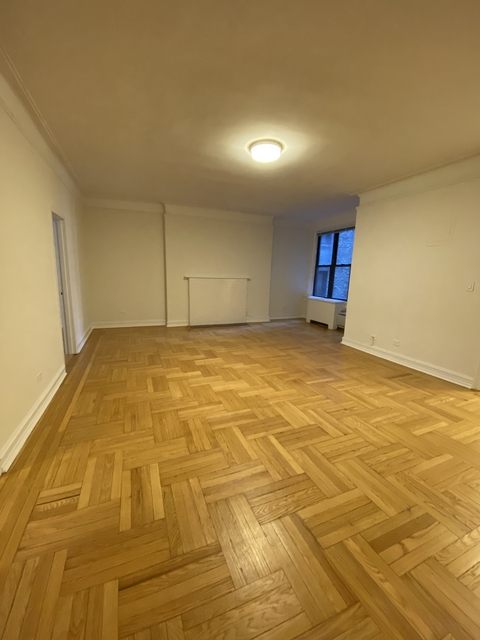 2 Bedrooms, Lenox Hill Rental in NYC for $3,437 - Photo 1