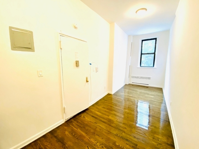 Studio, East Village Rental in NYC for $1,833 - Photo 2