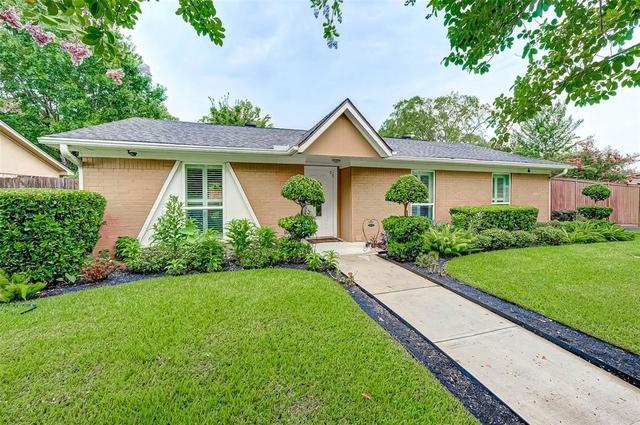 4 Bedrooms, Western Village Rental in Houston for $1,950 - Photo 2
