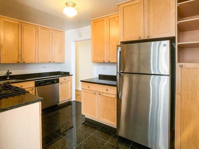 2 Bedrooms, West Village Rental in NYC for $5,042 - Photo 2