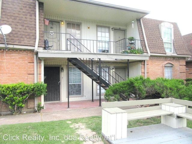 2 Bedrooms, Shadowdale Townhome Condominiums Rental in Houston for $1,100 - Photo 1
