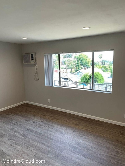 2 Bedrooms, Silver Lake Rental in Los Angeles, CA for $3,195 - Photo 1