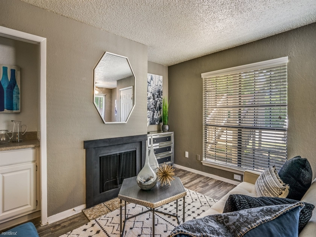 2 Bedrooms, Timber Ridge Rental in Dallas for $975 - Photo 1