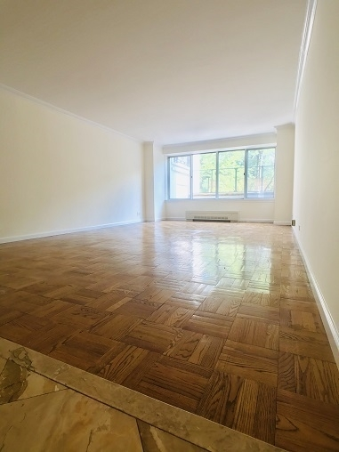 2 Bedrooms, Theater District Rental in NYC for $5,000 - Photo 2