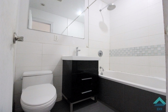 3 Bedrooms, Bushwick Rental in NYC for $2,239 - Photo 2