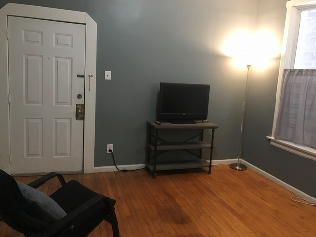 2 Bedrooms, Ukrainian Village Rental in Chicago, IL for $1,500 - Photo 2