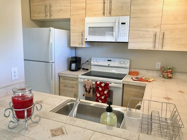 1 Bedroom, Sterling Village Rental in Miami, FL for $1,250 - Photo 2