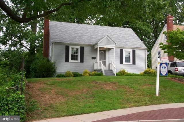 3 Bedrooms, Douglas Park Rental in Washington, DC for $2,800 - Photo 1
