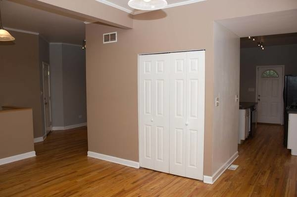 2 Bedrooms, Woodlawn Rental in Chicago, IL for $1,525 - Photo 2