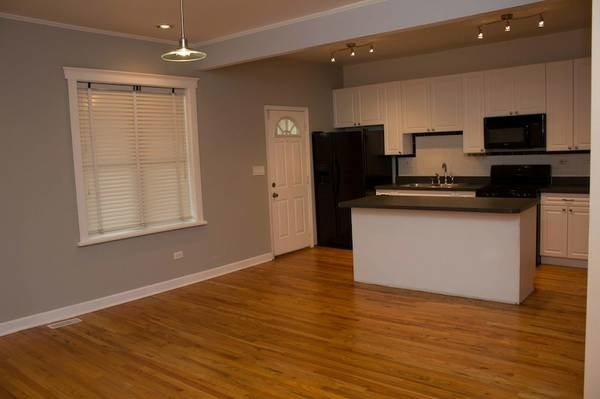 2 Bedrooms, Woodlawn Rental in Chicago, IL for $1,525 - Photo 1