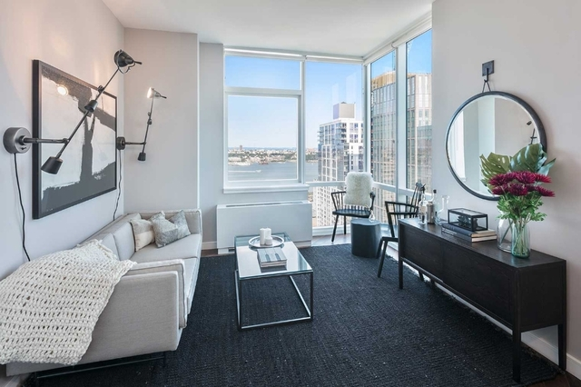 2 Bedrooms, Chelsea Rental in NYC for $5,833 - Photo 2