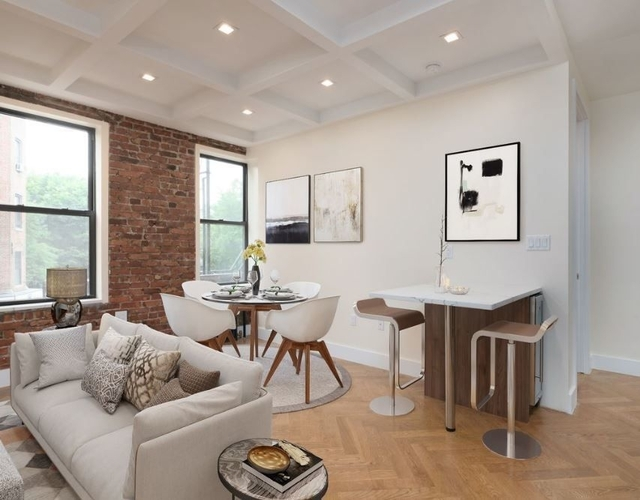 3 Bedrooms, Crown Heights Rental in NYC for $3,360 - Photo 2