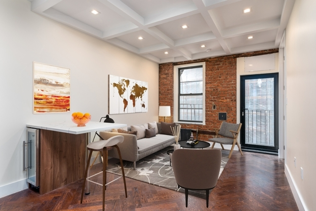 3 Bedrooms, Crown Heights Rental in NYC for $2,880 - Photo 1