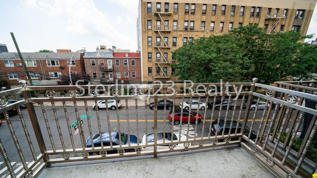 3 Bedrooms, Astoria Rental in NYC for $3,300 - Photo 2