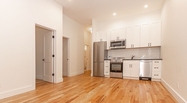 3 Bedrooms, Carnegie Hill Rental in NYC for $5,000 - Photo 2