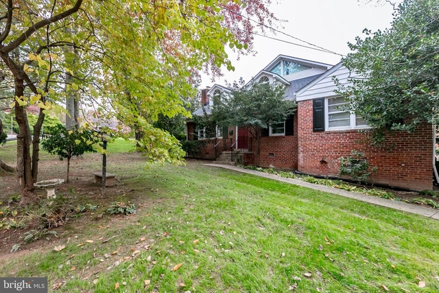 3 Bedrooms, McLean Rental in Washington, DC for $3,500 - Photo 1
