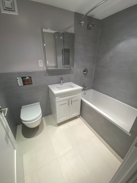 2 Bedrooms, Turtle Bay Rental in NYC for $2,872 - Photo 2