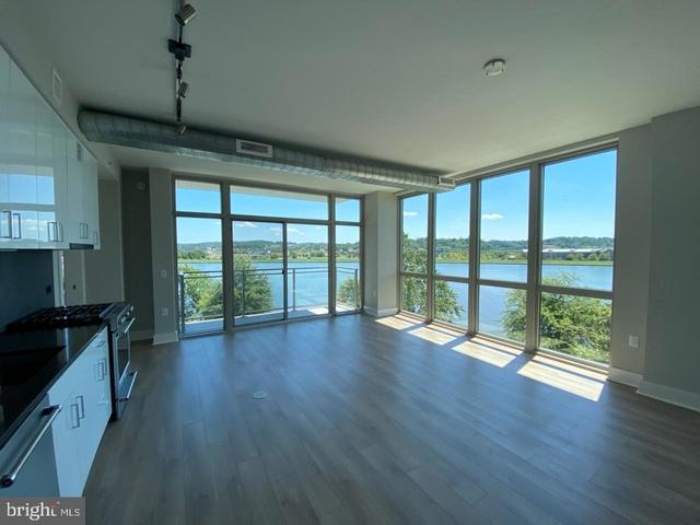 1 Bedroom, Buzzard Point Rental in Washington, DC for $2,900 - Photo 2