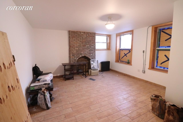3 Bedrooms, Greenpoint Rental in NYC for $2,550 - Photo 2