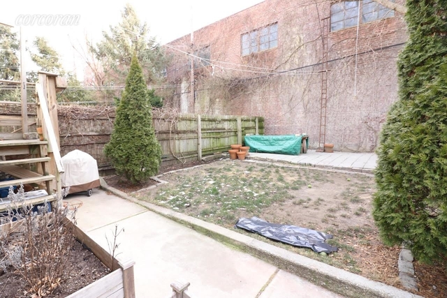 3 Bedrooms, Greenpoint Rental in NYC for $2,200 - Photo 1