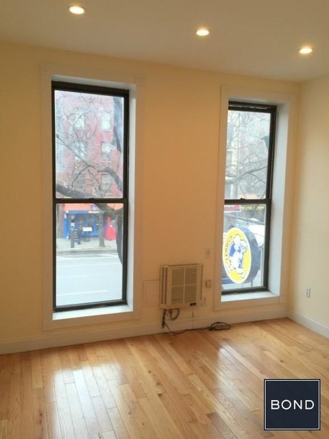 2 Bedrooms, Hell's Kitchen Rental in NYC for $3,025 - Photo 2