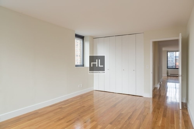 Studio, Theater District Rental in NYC for $2,780 - Photo 2