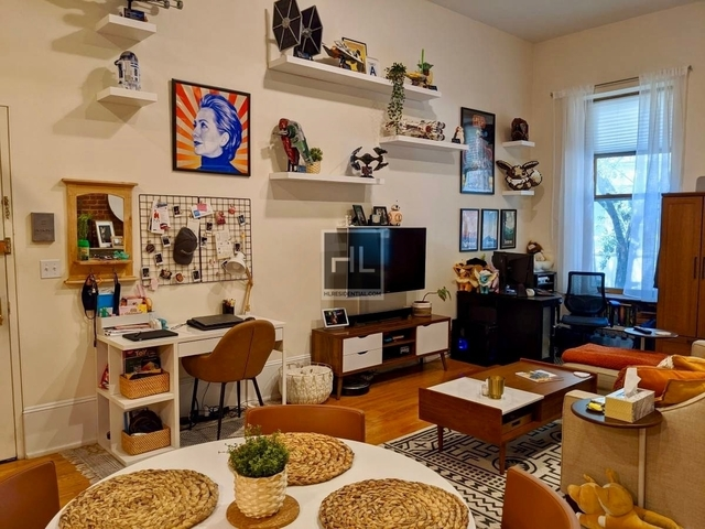 Studio, Upper West Side Rental in NYC for $2,370 - Photo 2