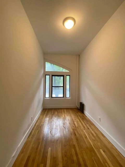 4 Bedrooms, Gramercy Park Rental in NYC for $6,733 - Photo 2