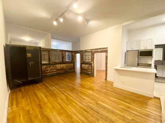 4 Bedrooms, Gramercy Park Rental in NYC for $6,733 - Photo 1