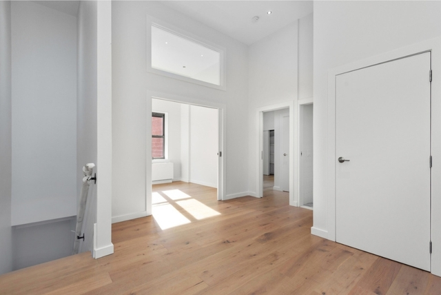 3 Bedrooms, Two Bridges Rental in NYC for $6,256 - Photo 2