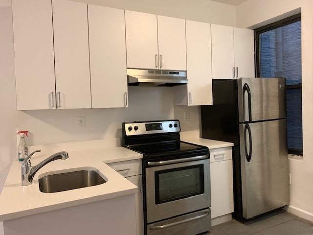Studio, Carnegie Hill Rental in NYC for $2,150 - Photo 2