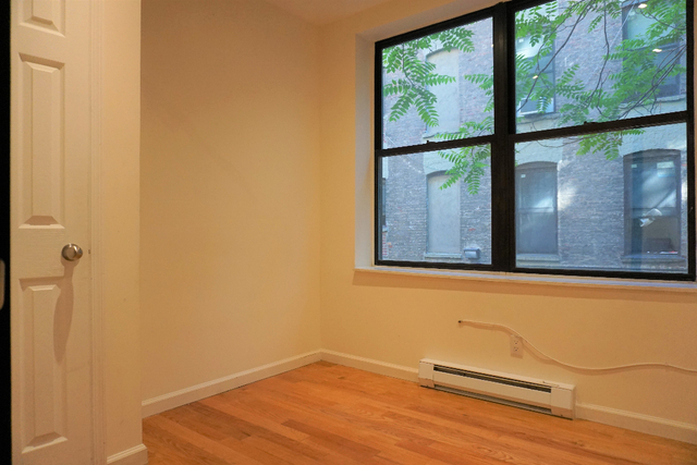 3 Bedrooms, Central Harlem Rental in NYC for $2,100 - Photo 2