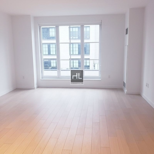 Studio, Hell's Kitchen Rental in NYC for $3,269 - Photo 2