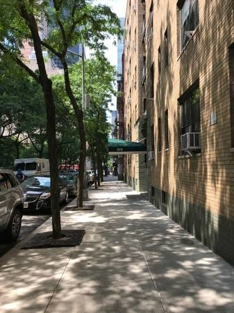 Studio, Sutton Place Rental in NYC for $2,650 - Photo 1