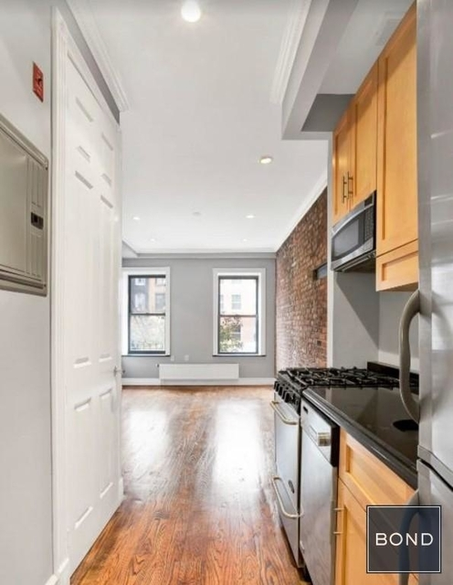 3 Bedrooms, East Village Rental in NYC for $5,150 - Photo 2