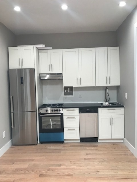 3 Bedrooms, Flatbush Rental in NYC for $2,727 - Photo 1