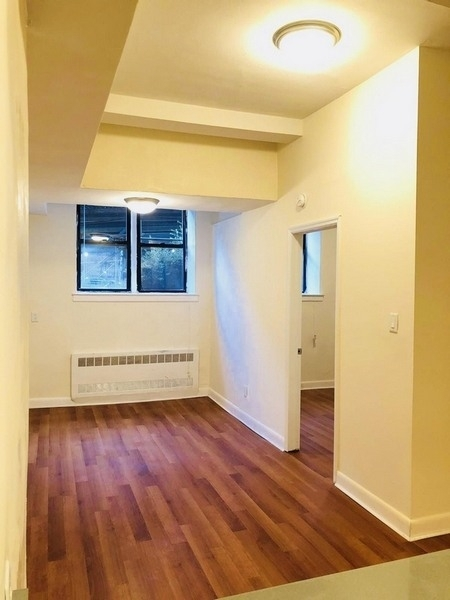 1 Bedroom, Forest Hills Rental in NYC for $1,750 - Photo 2