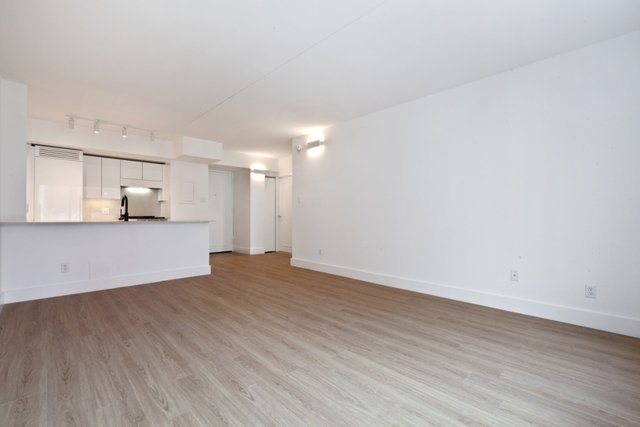 1 Bedroom, Chelsea Rental in NYC for $4,424 - Photo 2