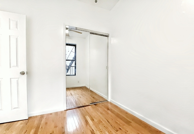3 Bedrooms, Bowery Rental in NYC for $3,000 - Photo 2