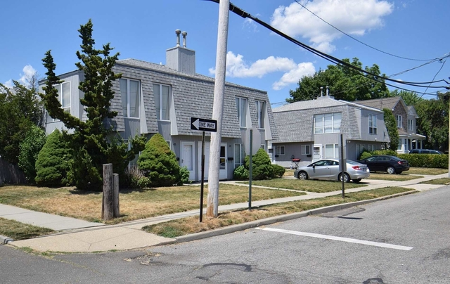 1 Bedroom, Manorhaven Rental in Long Island, NY for $2,550 - Photo 2