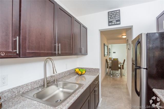 1 Bedroom, Altos Del Mar South Rental in Miami, FL for $1,500 - Photo 2