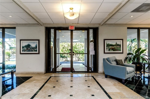 2 Bedrooms, Fairview Rental in Miami, FL for $3,150 - Photo 2