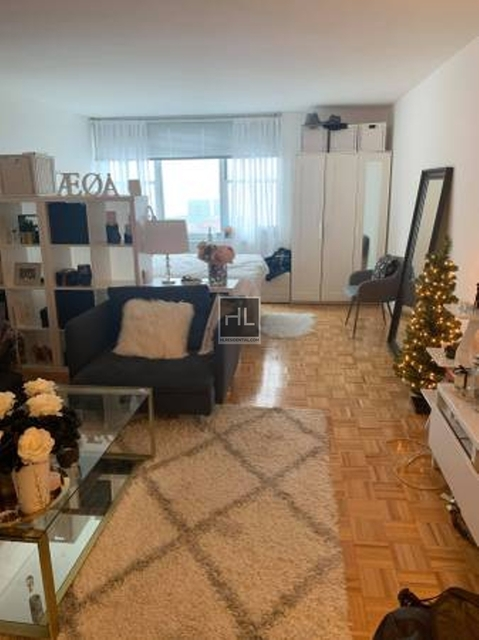 1 Bedroom, Battery Park City Rental in NYC for $3,055 - Photo 1