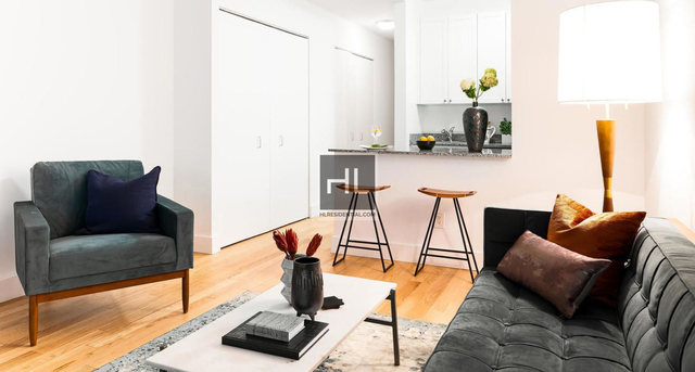 Studio, Financial District Rental in NYC for $2,599 - Photo 2