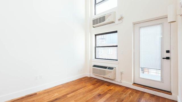 2 Bedrooms, Bushwick Rental in NYC for $2,800 - Photo 2